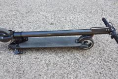 carbon-fiber-a-hordozhato-elektromos-roller-teszt-osszecsukhato-6600mAh-akkumulator-akksi-5.5-colos-kerek-13