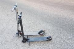 carbon-fiber-a-hordozhato-elektromos-roller-teszt-osszecsukhato-6600mAh-akkumulator-akksi-5.5-colos-kerek-18