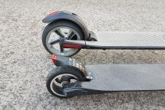 carbon-fiber-a-hordozhato-elektromos-roller-teszt-osszecsukhato-6600mAh-akkumulator-akksi-5.5-colos-kerek-28