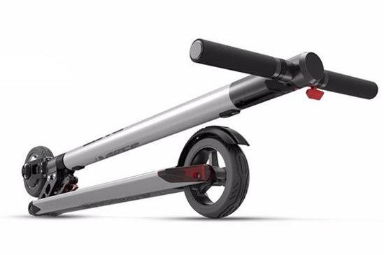 letv-ultrakonnyu-osszecsukhato-eketromos-roller-teszt-folding-electric-scooter-03A