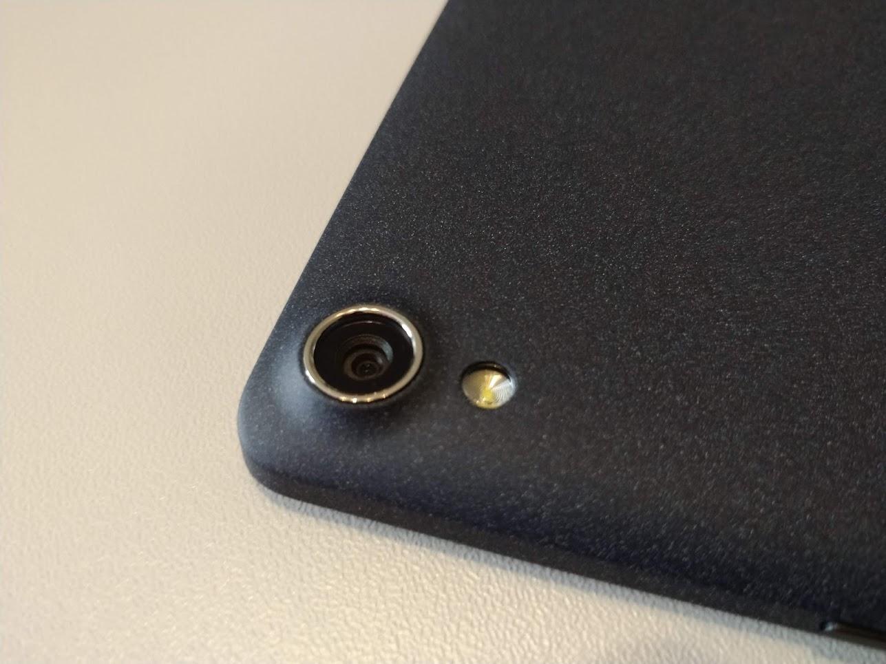 Lenovo-P8-Android-tablet-Tab3-8-Plus-16GB-3GB-07