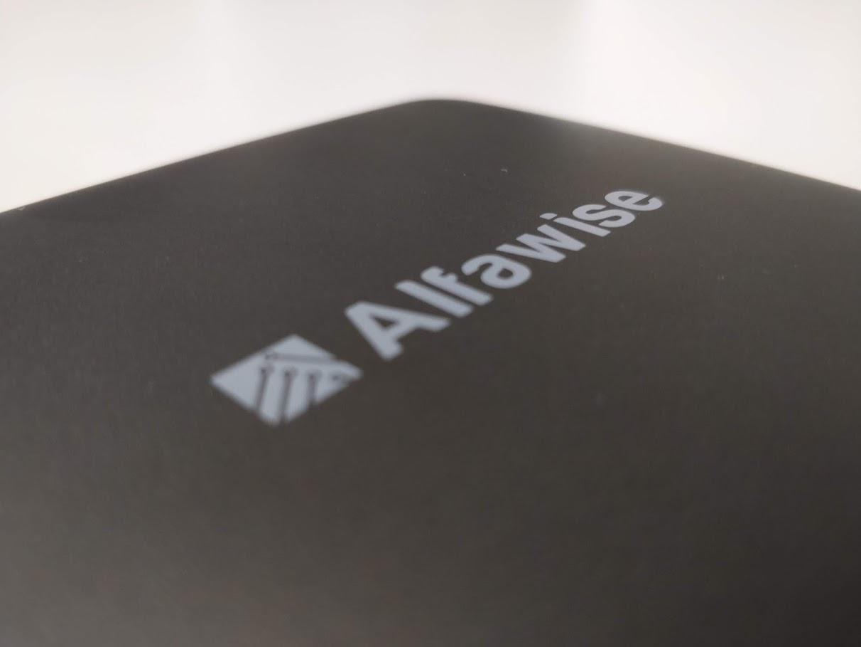 alfawise-s95-tv-box-okosito-android-7.1.2-amlogic-4-mag-2-gb-ram-16-gb-rom 5