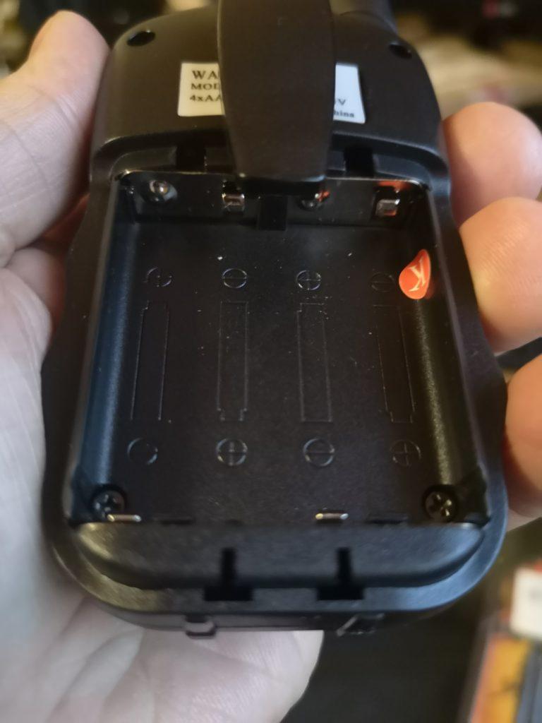 baofeng-bf-t3-battery-slot