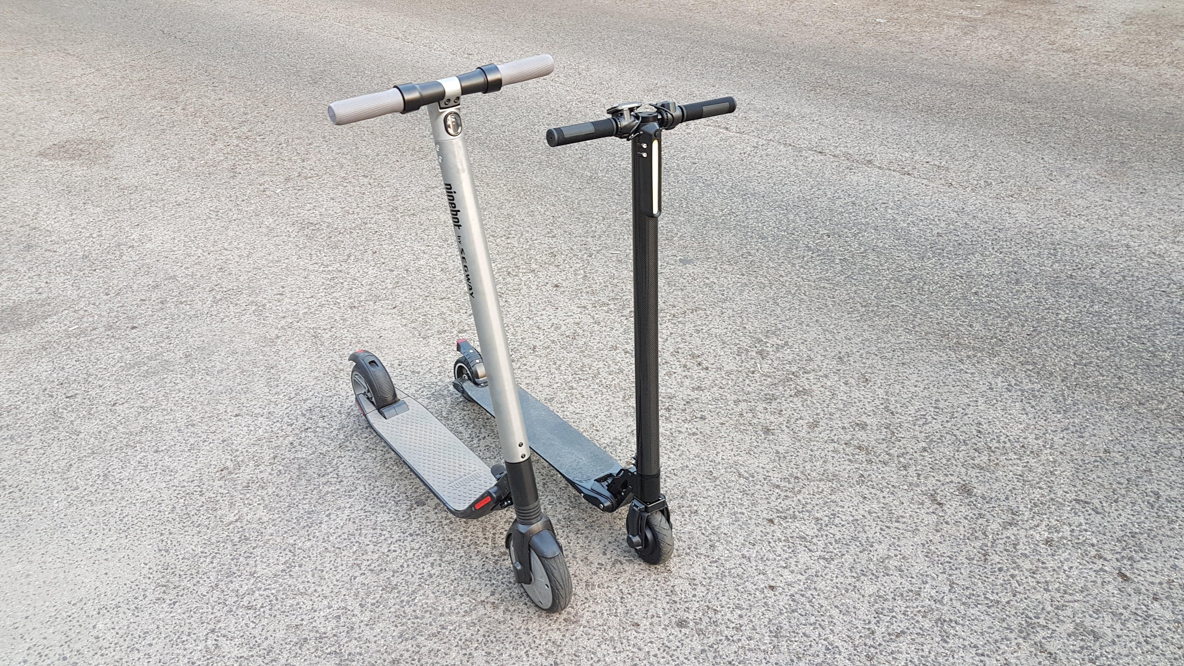 carbon-fiber-a-hordozhato-elektromos-roller-teszt-osszecsukhato-6600mAh-akkumulator-akksi-5.5-colos-kerek-20
