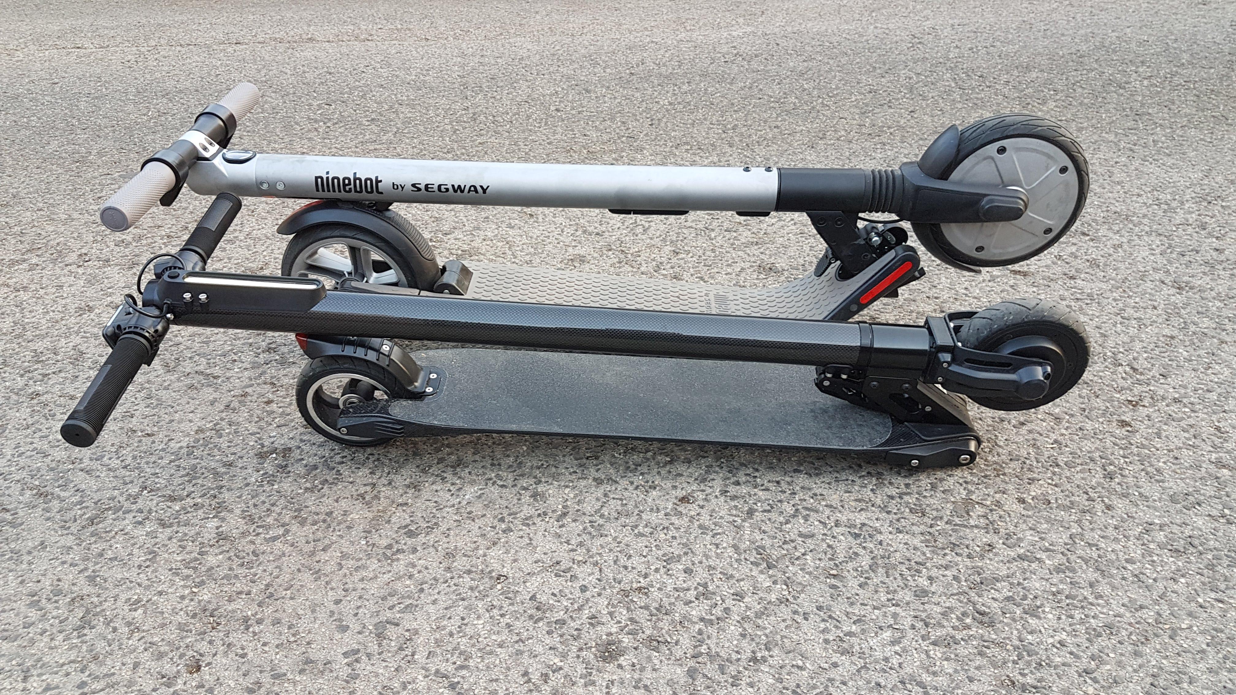 carbon-fiber-a-hordozhato-elektromos-roller-teszt-osszecsukhato-6600mAh-akkumulator-akksi-5.5-colos-kerek-35